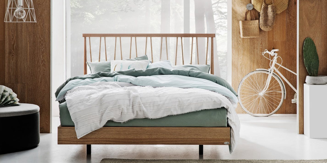 Silver Lynx Beds DM SPINDLE bed design