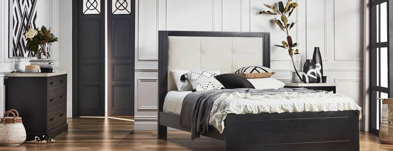 Silver Lynx Montauk bed design in grand setting