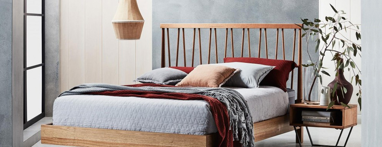 Silver Lynx Spindle bed design